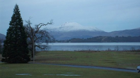 Cameron House on Loch Lomond:                   Ben Lomond