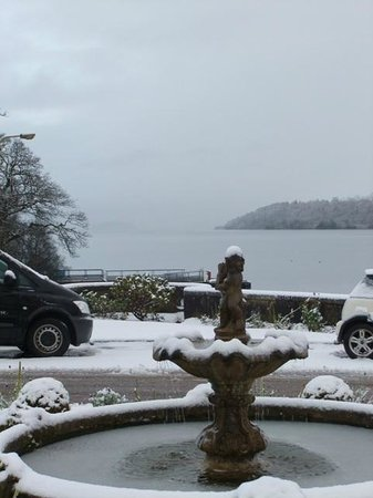 Cameron House on Loch Lomond:                   Snowy scene the following day