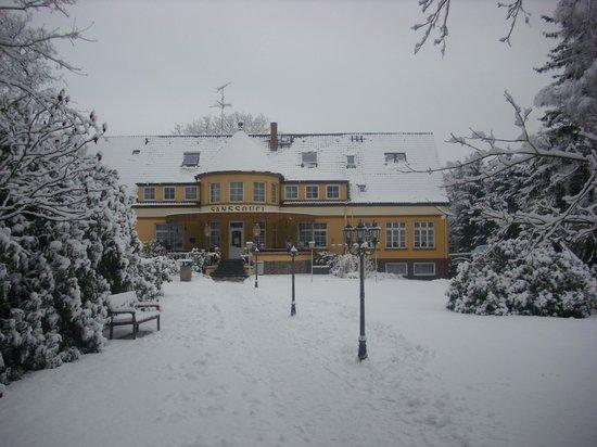 Hotel Café Restaurant Sanssouci: Sanssouci im Winter