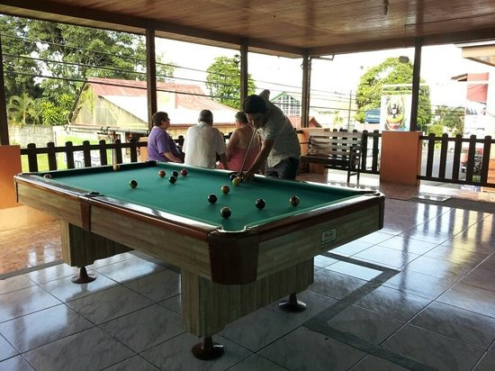 Hotel La Amistad: Pool Table
