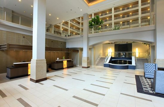 Embassy Suites by Hilton Chicago Downtown : New Lobby Area