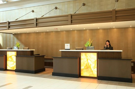 Embassy Suites by Hilton Chicago Downtown: New Front Desk Pods
