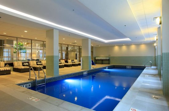 Embassy Suites by Hilton Chicago Downtown: Brand new pool