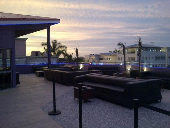Prive Hookah & Sky Lounge