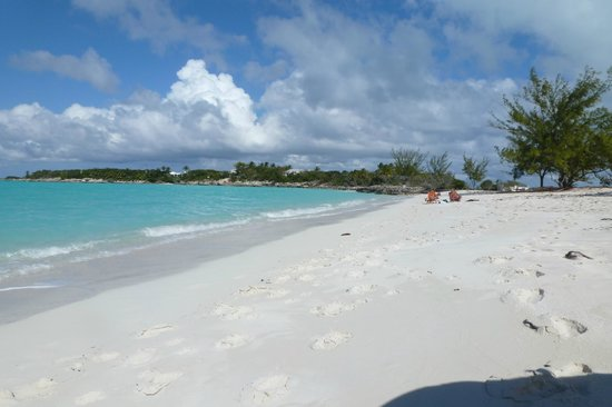 Augusta Bay Bahamas:                   secluded beach 5 minutes away