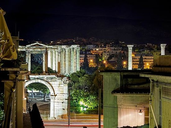 AVA Hotel Athens: Room 302 balcony view: Hadrian's Arch, Temple of Olympian Zeus