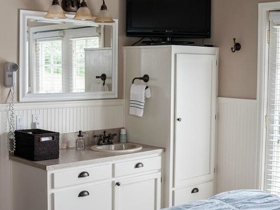 Garden Isle Guest Cottages : Seabreeze Bathroom