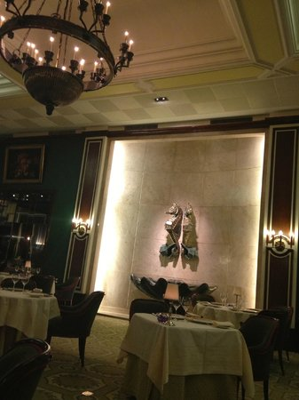 Four Seasons Hotel Ritz Lisbon:                   Restaurant
