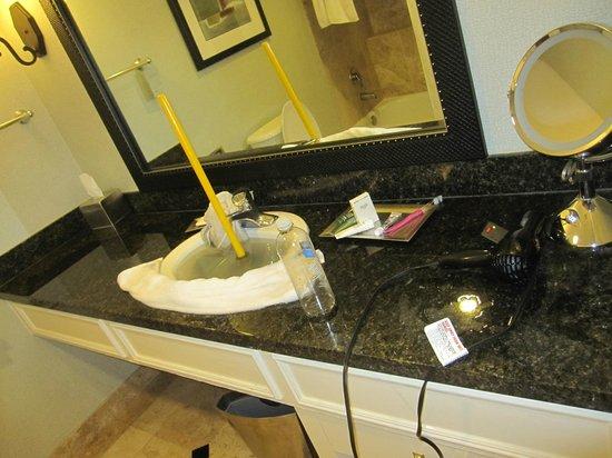 Hilton San Antonio Hill Country Hotel & Spa Photo