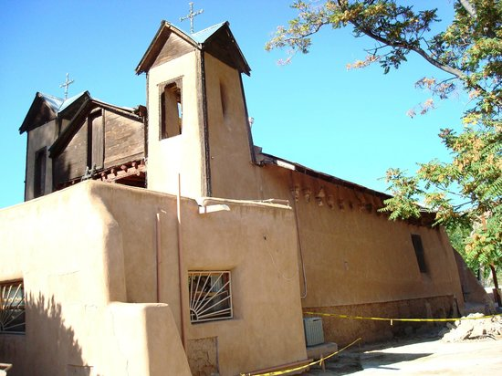 El Santuario de Chimayo:                   Church