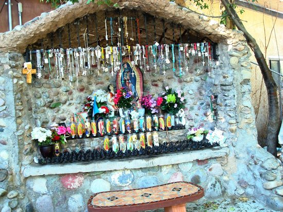 El Santuario de Chimayo:                   Shrine
