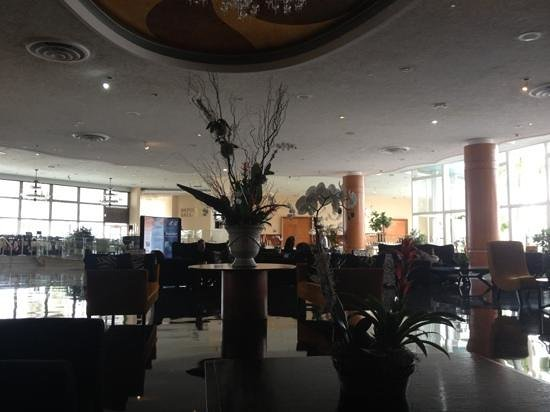Deauville Beach Resort: Lobby