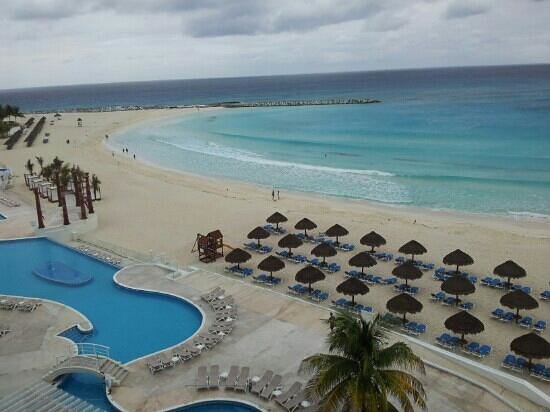 Krystal Cancun:                   the view from room 1561