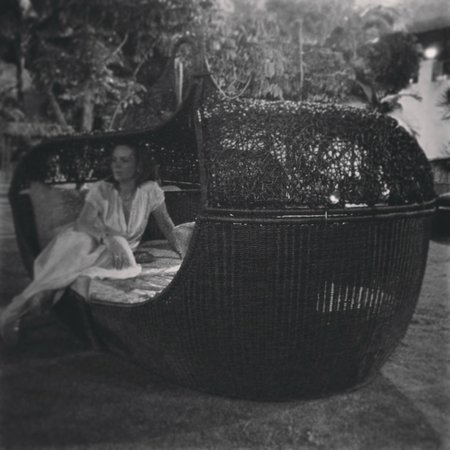 Sofitel Philippine Plaza Manila:                   плетеные кресла на двоих