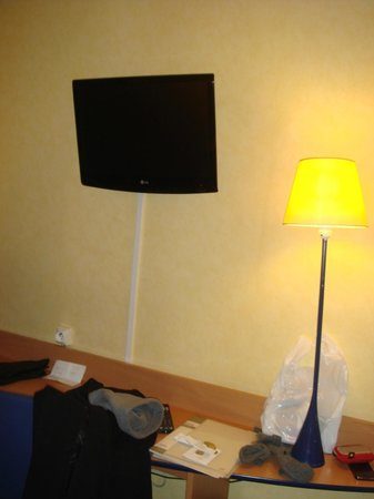 Hotel Lautrec Opera:                   Tv tela plana