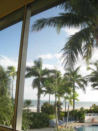 BEST WESTERN Key Ambassador Resort Inn:                   View of water from balcony