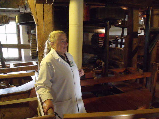 Houghton Mill (National Trust):                                     National Trust, Guide