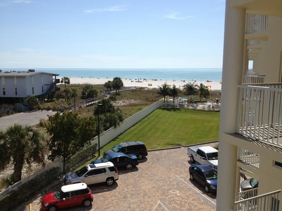 Sunset Vistas Beachfront Suites:                   View from our balcony at 405S.