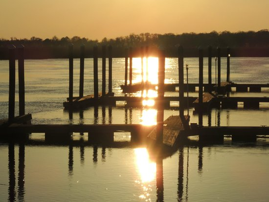 Darien Waterfront Inn:                   Sunset