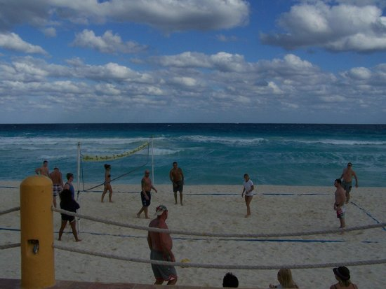 Fiesta Americana Condesa Cancun All Inclusive:                   Beach Volleyball