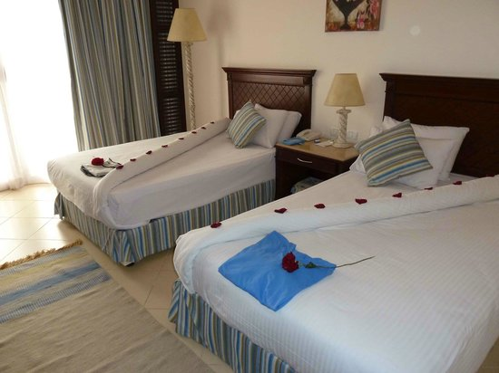 Amwaj Oyoun Hotel & Resort: Our room