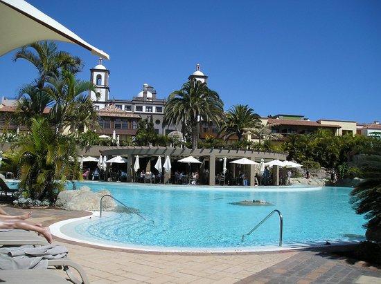 Lopesan Villa del Conde Resort & Corallium Thalasso:                   What a relaxing place!