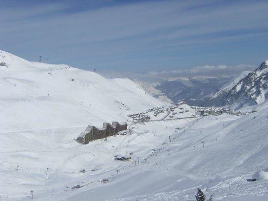 Pierre & Vacances Residence Le Montana: vue depuis le haut des pistes