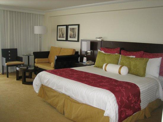Aruba Marriott Resort & Stellaris Casino:                   Our room at the hotel