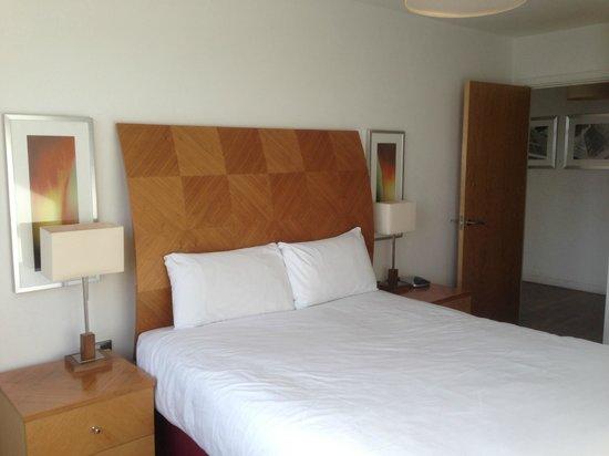 Premier Suites Nottingham:                   Main Bedroom