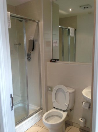 Premier Suites Nottingham:                   En-Suite