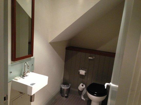 Hotel du Vin & Bistro Newcastle:                   Toilet