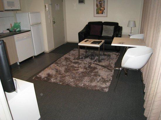 Highlander Apartments Melbourne : Living Area