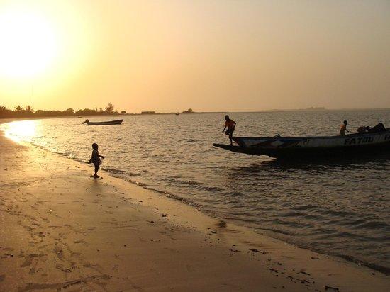 Hotel Carabane:                   Atardecer en la Playa