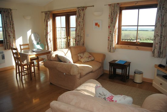 Lancombe Country Cottages & Lodges:                   Cosy sitting area