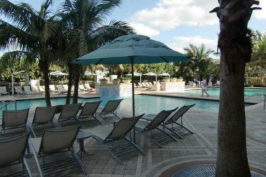 Marriott's Oceana Palms:                   Pools