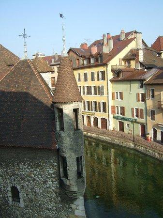 Hôtel Du Palais de l'Isle :                                     Vue sur l'ancienne prison
