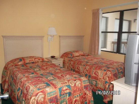 The Enclave Hotel & Suites:                   una habitacion