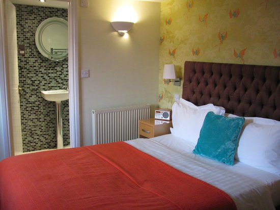 Harington's City Hotel: Bedroom, room 11