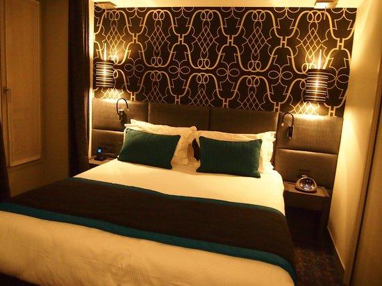 Le Grey Hotel:                                     Chambre très moderne