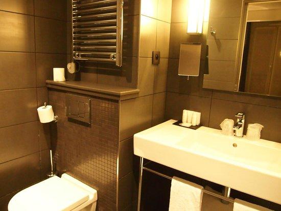Le Grey Hotel:                                     Salle de bain très propre