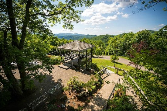 The Inn at Crestwood: View from the Grandfather Suite