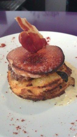 Xambel: Milhoja de Jamón con Manzana y Foie Caramelizado