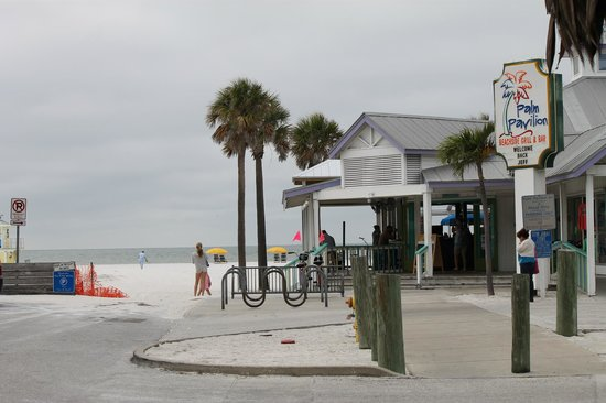 Palm Pavilion Inn:                   The view of the beach and restaurant from the front entrance