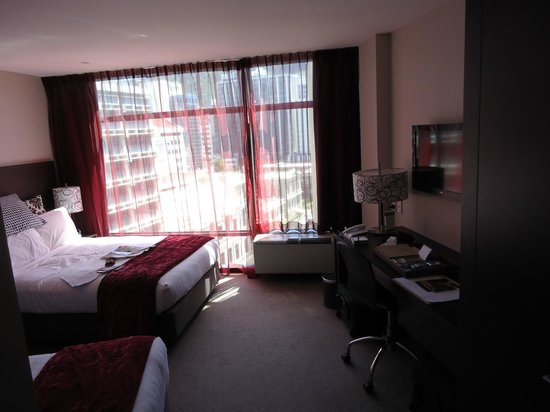 Rydges Wellington:                   City room