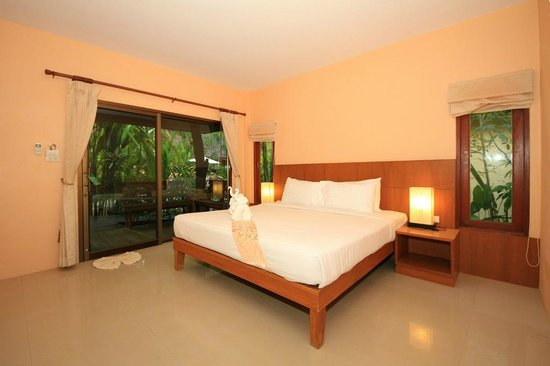 Sunda Resort: Bedroom of our villa.