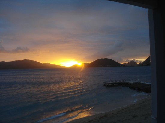 Fort Recovery Beachfront Villa & Suites Hotel:                   Beautiful BVI sunset seen from Fort Recovery.
