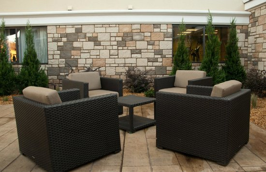 Holiday Inn Little Rock West-Financial Pky: Outdoor Patio With Fireplace