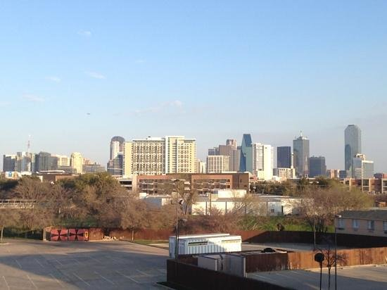 Courtyard by Marriott Dallas Market Center:                   view