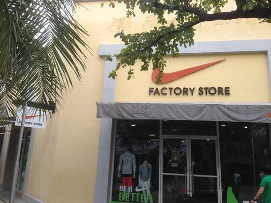 Cha-am, Tailândia:                                     nike factory store