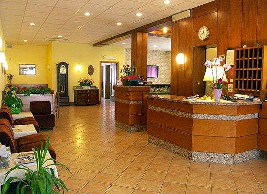 Hotel Villa Clara: Reception